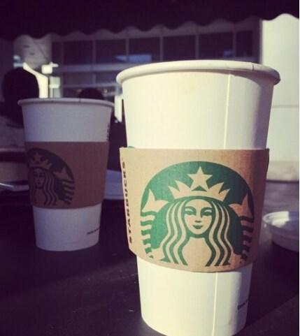 用星巴克的杯子去喝咖啡是不是可以免费续杯