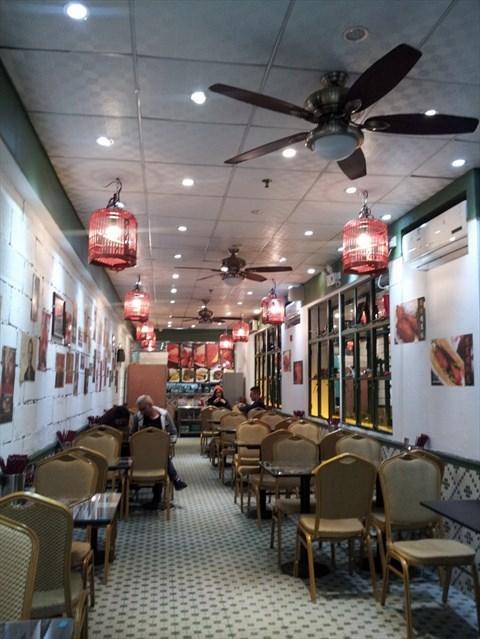 装修很有特色的一家茶餐厅