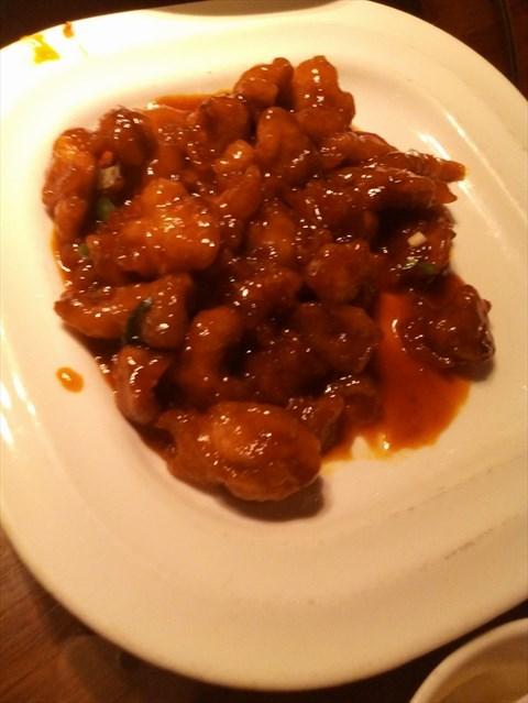 糖醋里脊,糖醋鱼,蒸饺,香酥鸡,九转大肠,这都是点菜率很高的菜品.